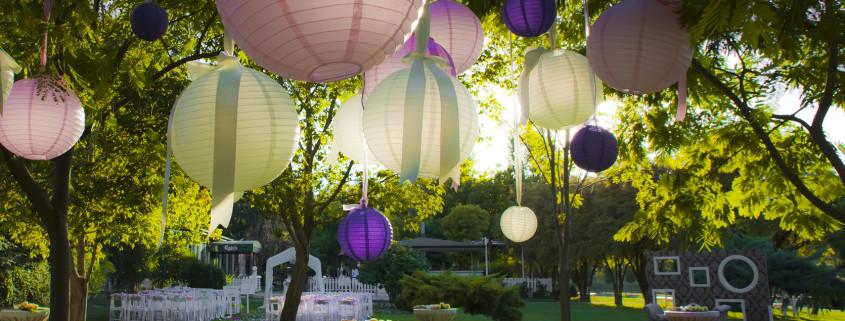 wedding-colorful-light-balls-845x321